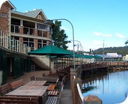 The Woodport Inn - Accommodation Noosa