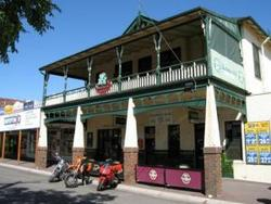 Shamrock Hotel Alexandra - Accommodation Noosa