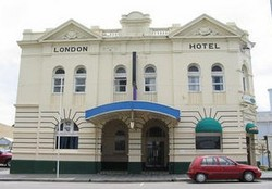 The London Hotel - Accommodation Noosa