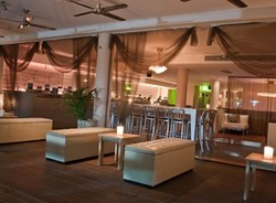 Sugar Lounge - Accommodation Noosa
