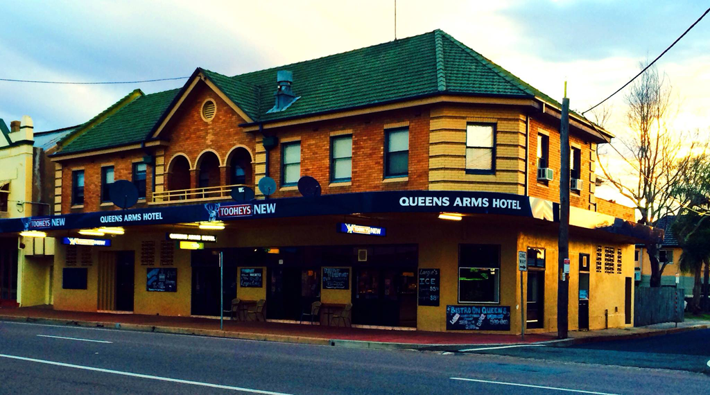 Queens Arms Hotel - Accommodation Noosa