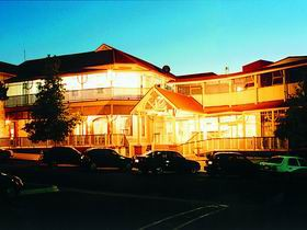 Loxton Community Hotel Motel - Accommodation Noosa