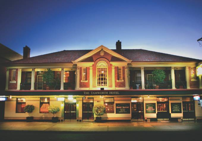Tamworth Hotel - Accommodation Noosa
