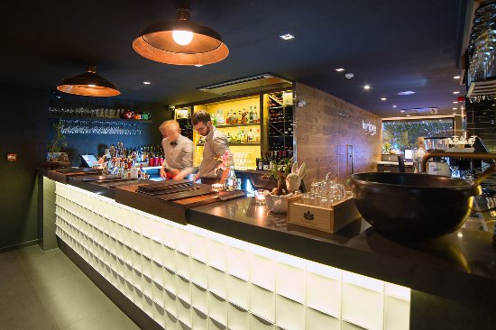 The Oakroom Kitchen and Bar - Accommodation Noosa