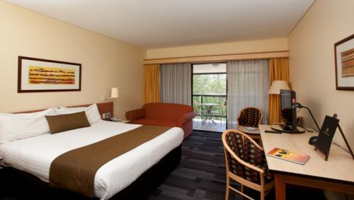 Alice Springs ResortMercure - Accommodation Noosa