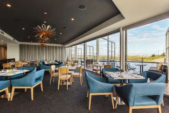 Wildflower Restaurant and Bar at Best Western Plus Lake Kawana - Accommodation Noosa