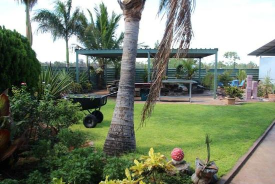 Devils Marbles Hotel - Accommodation Noosa