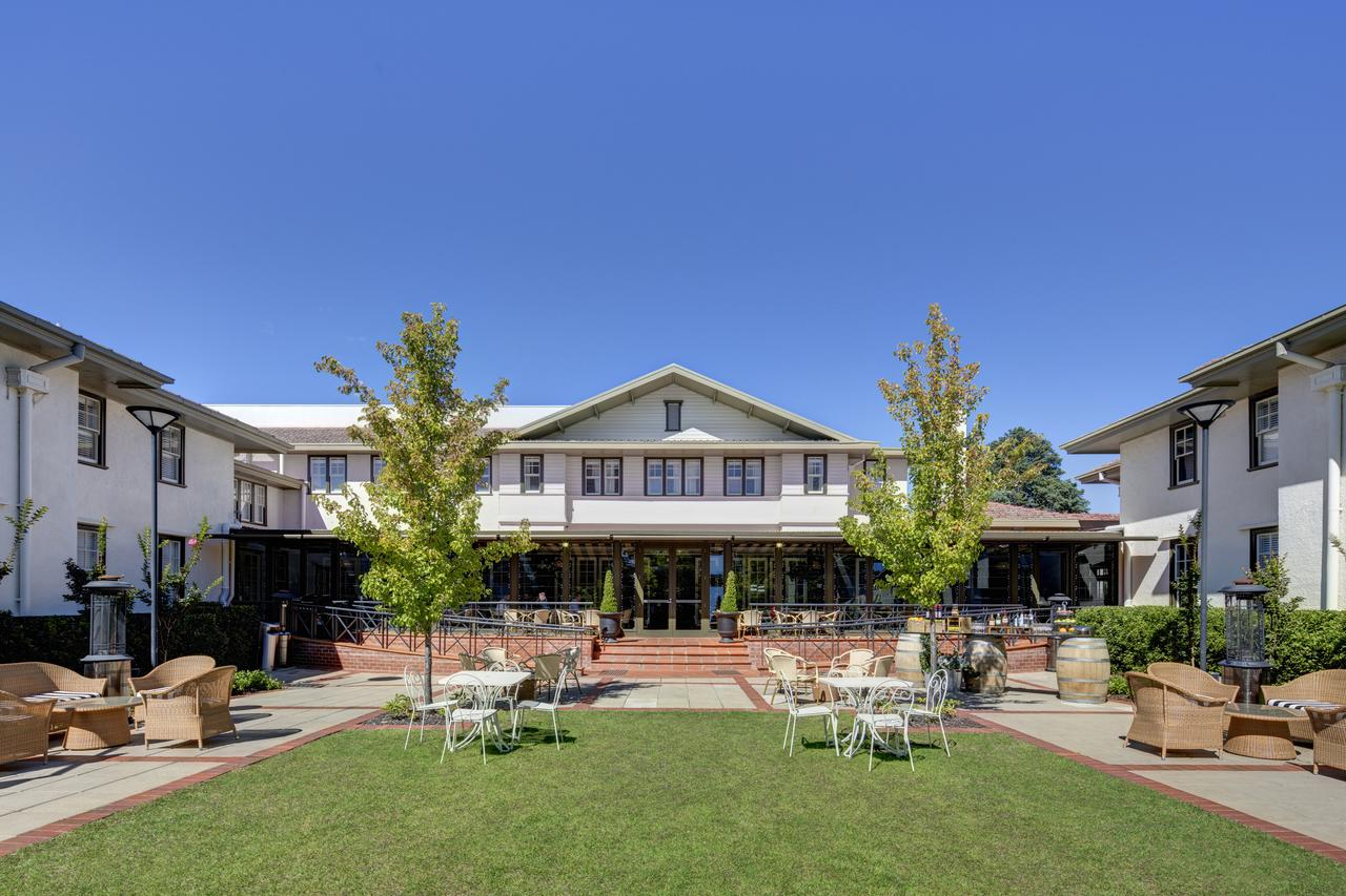 Hotel Kurrajong Canberra - Accommodation Noosa