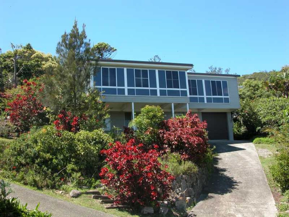 Bally High 20 Dulconghi Street - Accommodation Noosa