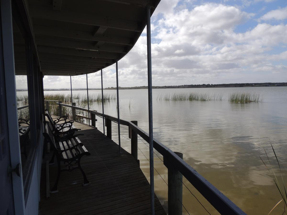 PS Federal Retreat Paddle Steamer Goolwa - Accommodation Noosa