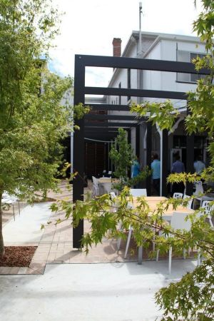 Crossroads Hotel - Accommodation Noosa