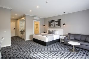 CH Boutique Hotel - Accommodation Noosa