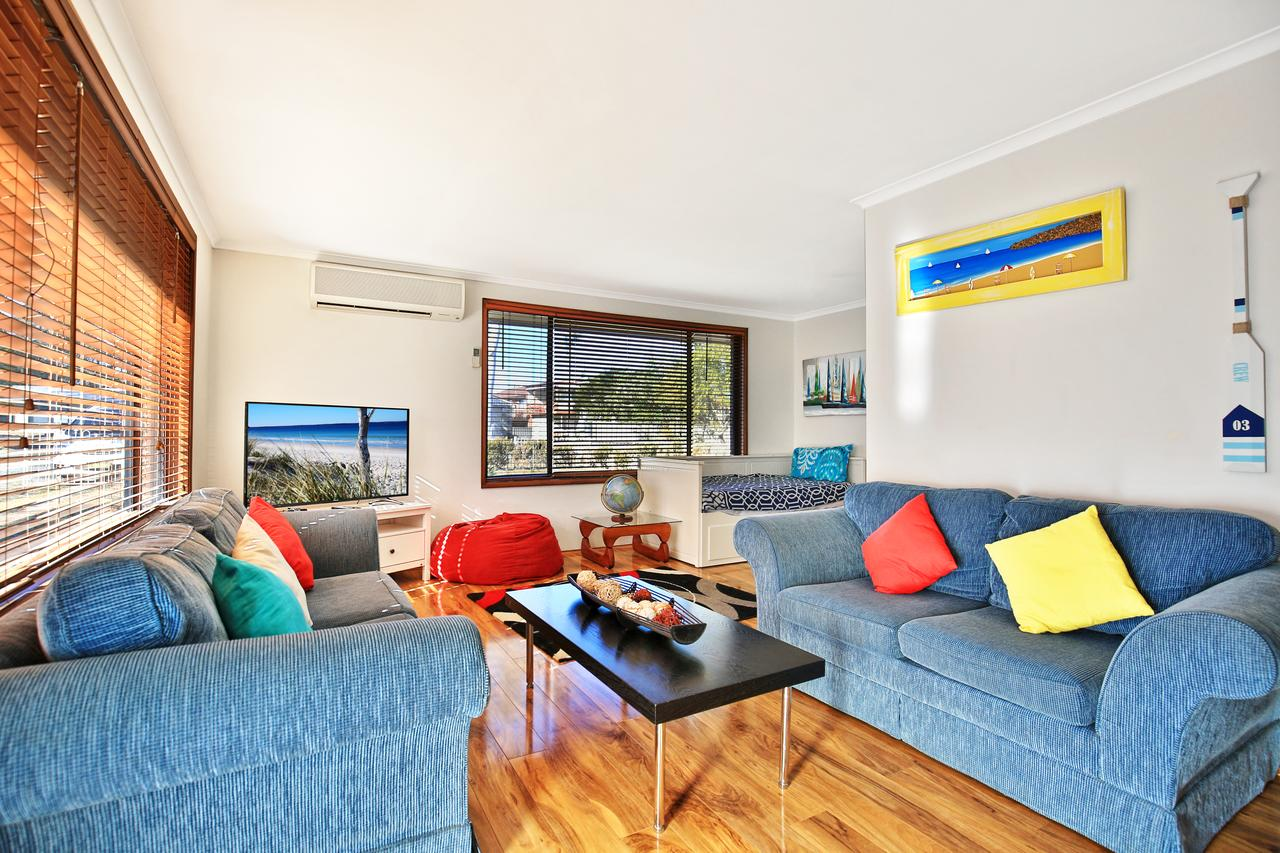 Sandy Toes Beach House Jervis Bay - 2min to Beach - Accommodation Noosa