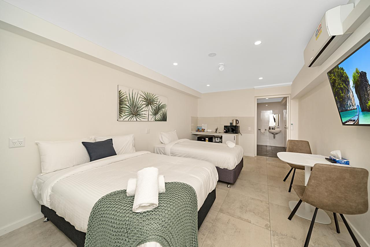 Carlton Suites - Accommodation Noosa