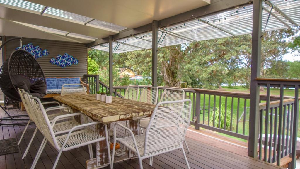 'RIVERSIDE RETREAT' 544 Ocean Drive North Haven - Accommodation Noosa